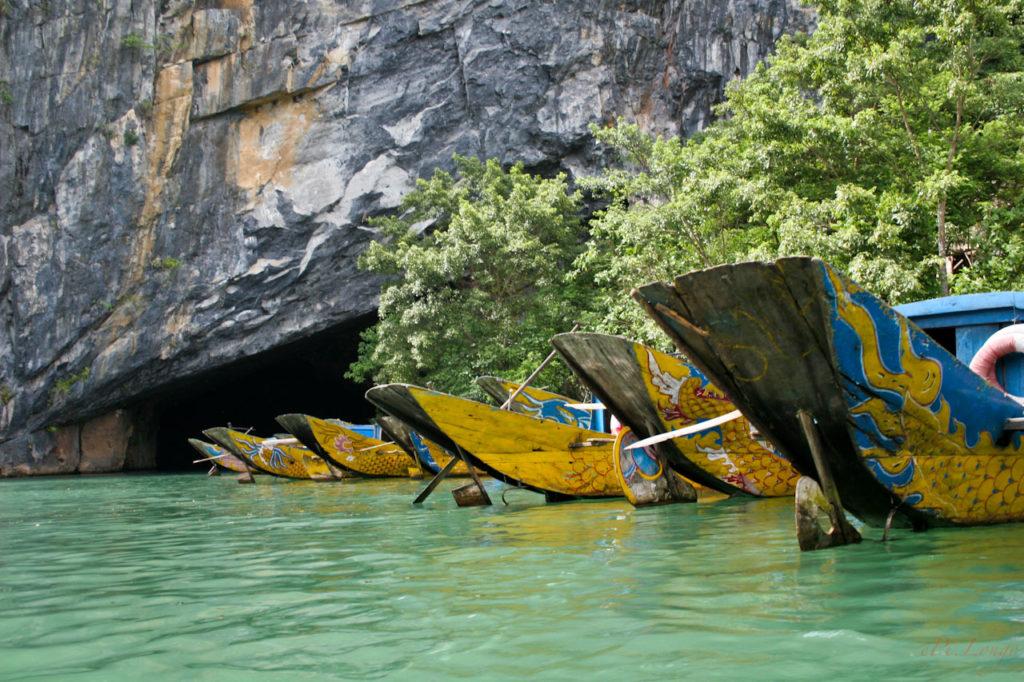 Dragon boat at the entrance gate of Phong Nha Cave