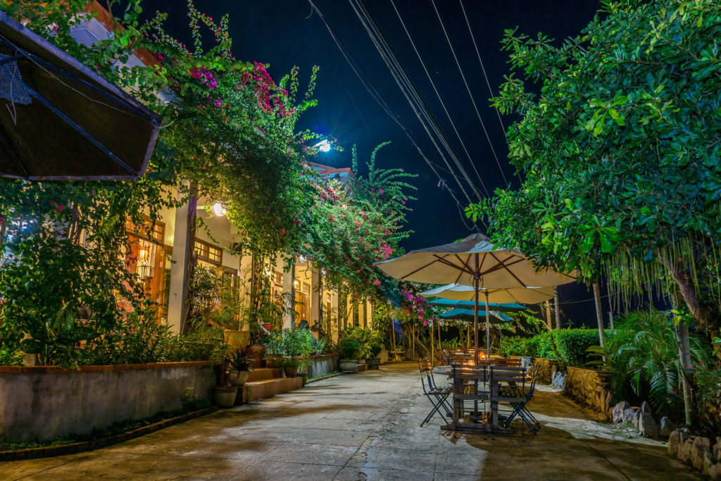 Restaurants in Phong Nha, Food in Phong Nha, Phong Nha Farmstay