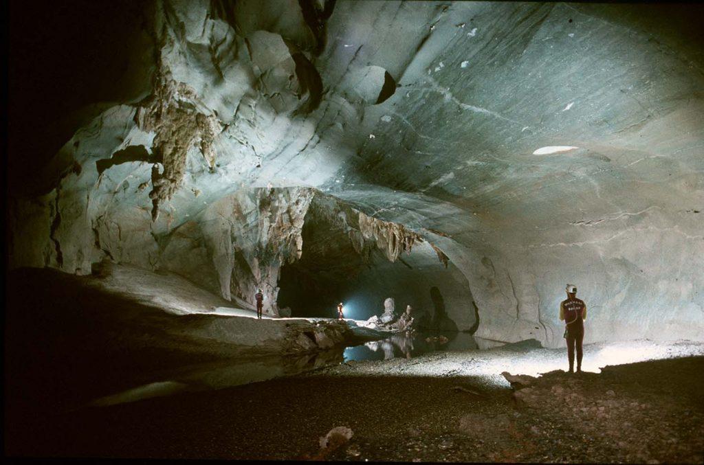 Phong Nha caves, Hang Vom cave, Vietnam caves