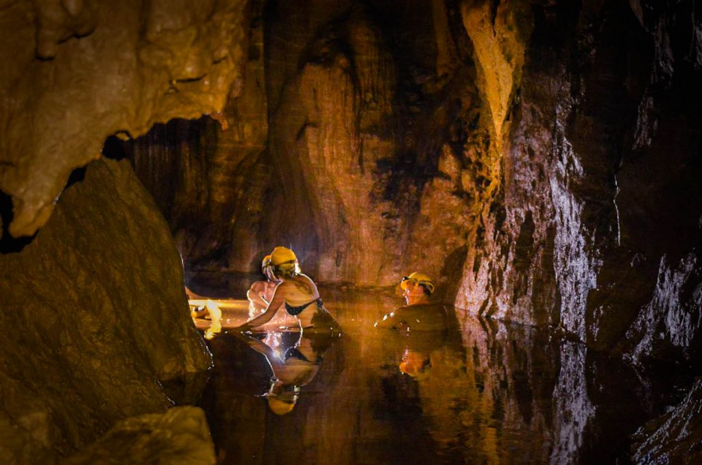 Phong Nha caves, Dark cave, caves in Vietnam